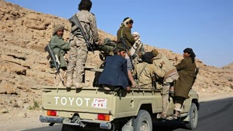 صورة مقتل قيادي من القاعدة وأخرون بغارة أمريكية بجنوب اليمن